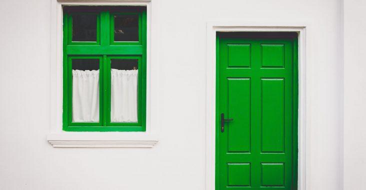 porte d'entrée verte bois
